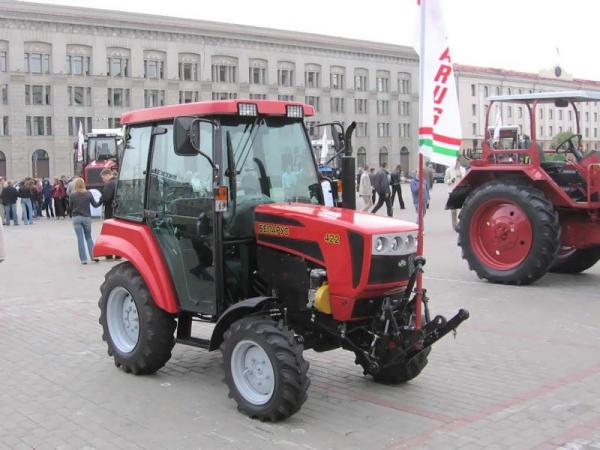 Ciągnik Belarus 422