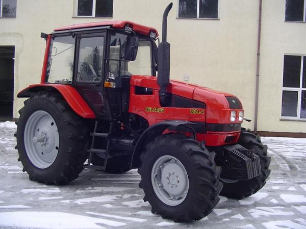 Ciągnik Belarus 1221.4